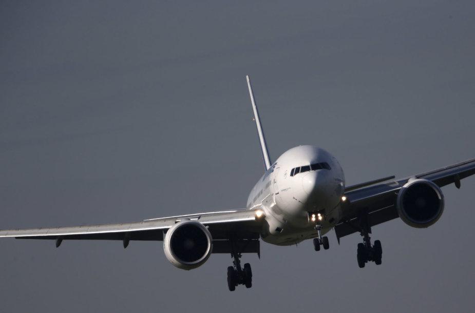 "Lėktuvas ""Boeing 777"""