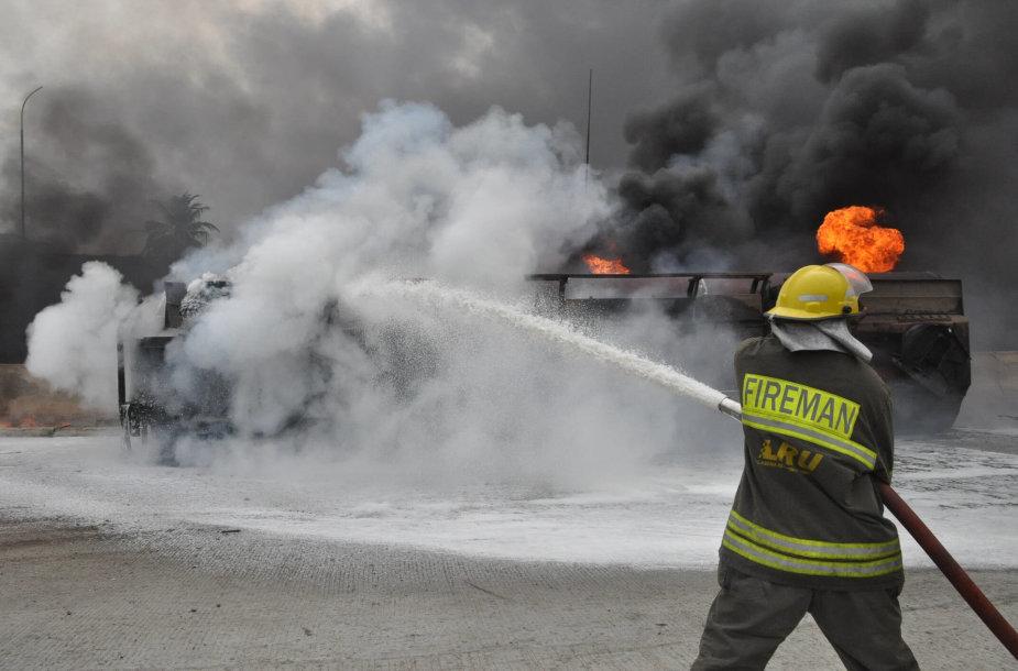 Benzinvežio gaisras Nigerijoje