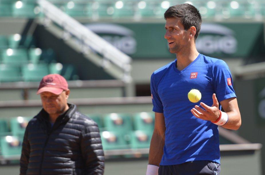 """Novakas Džokovičius, Rogeris Federeris ir Rafaelis Nadalis ruošiasi """"French Open"""" čempionatui"""