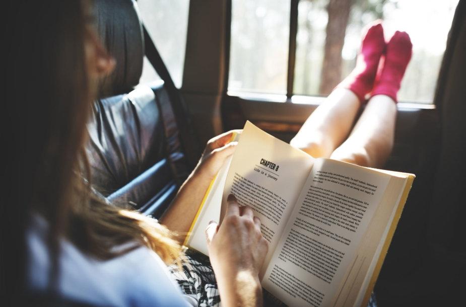 Važiuoti ir skaityti gali toli gražu ne kiekvienas