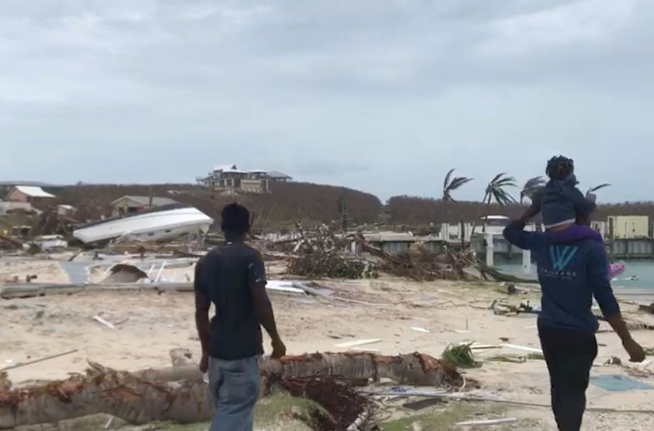Bahamas nusiaubė Dorian