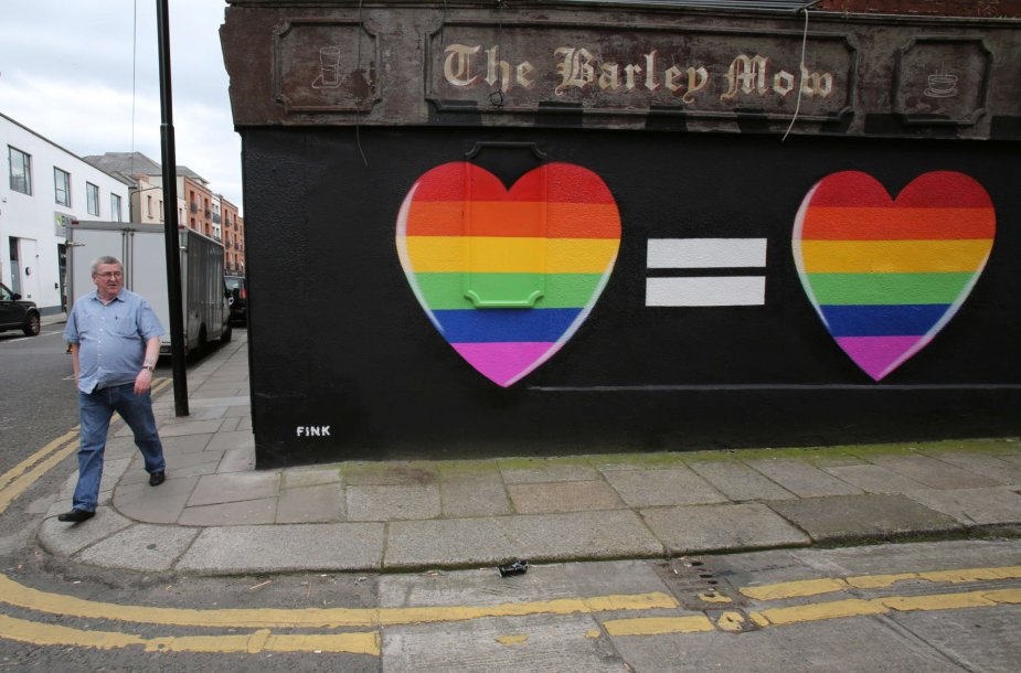 Airijoje istorinis referendumas dėl tos pačios lyties santuokų