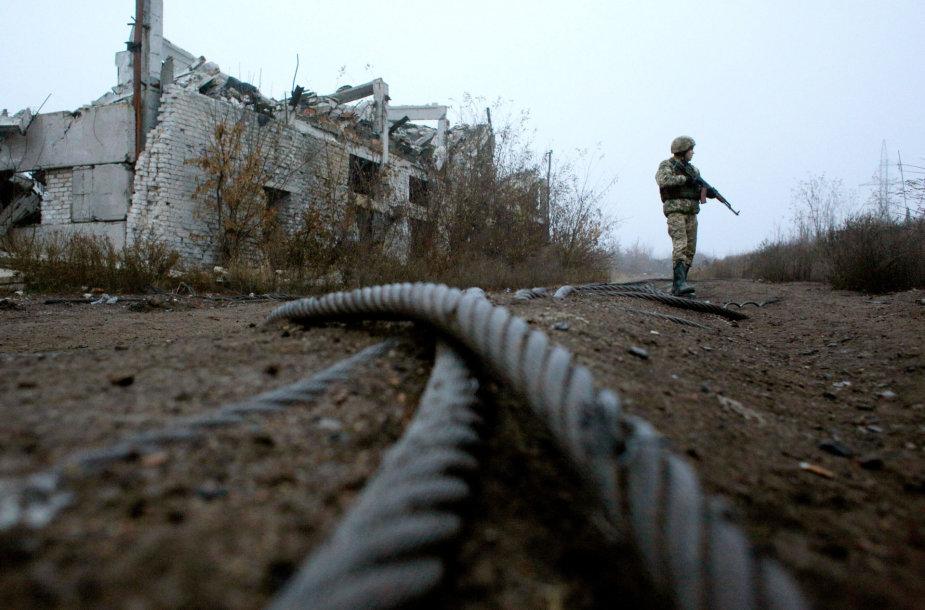 Ties kontaktine linija Rytų Ukrainoje