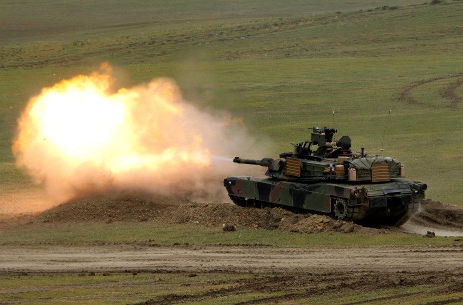 """""""M1A2 Abrams"""" tankas"""
