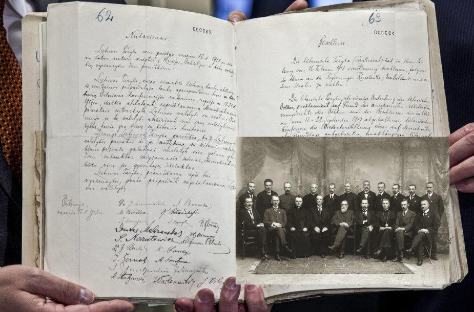 Vasario 16-osios aktas ir Nepriklausomybės akto signatarai