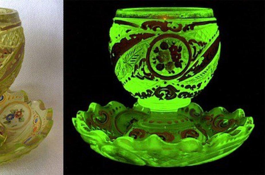 1850-1860 metais Bohemijoje pagamintas espreso kavos puodelis  ©Dave Peterson, VaselineGlass.org