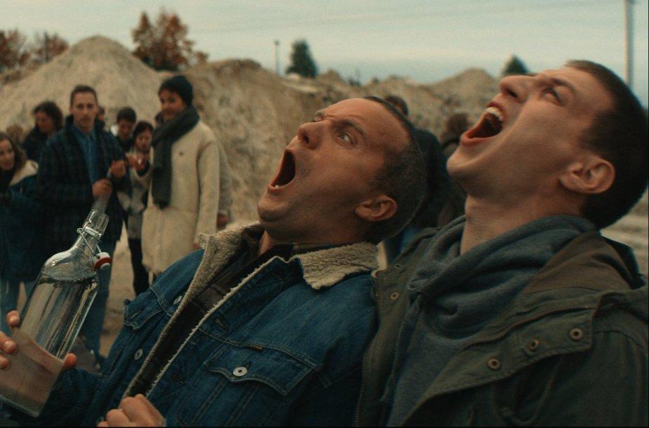 """Marius Repšys ir Giedrius Savickas komedijoje """"Traukinio apiplėšimas, kurį įvykdė Saulius ir Paulius"""""""