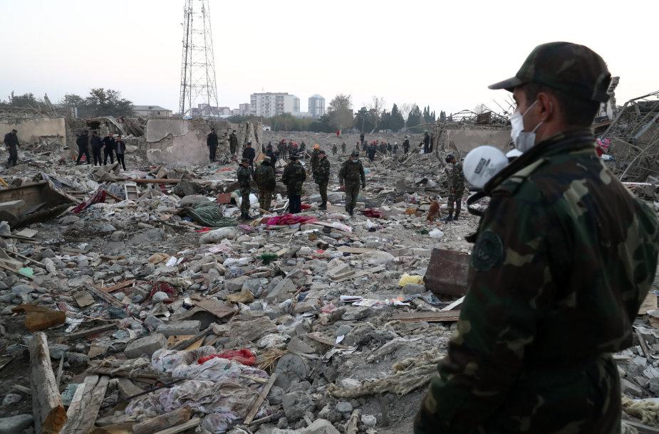 Per raketų smūgį antrame pagal dydį Azerbaidžano mieste žuvo 12 žmonių
