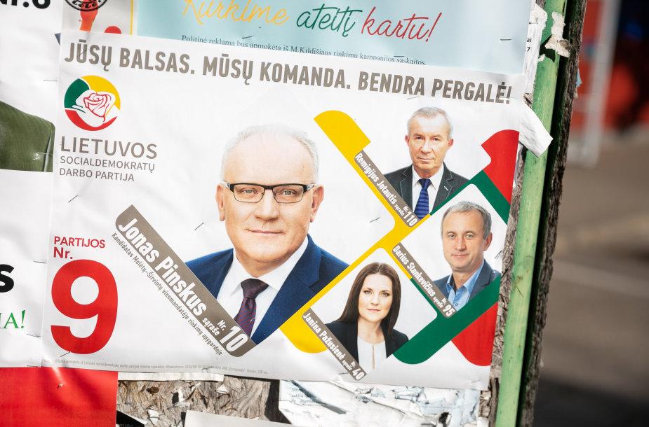 Rinkiminiai plakatai Molėtuose