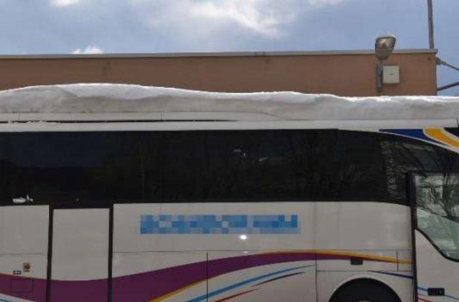 Apsnigtas autobusas