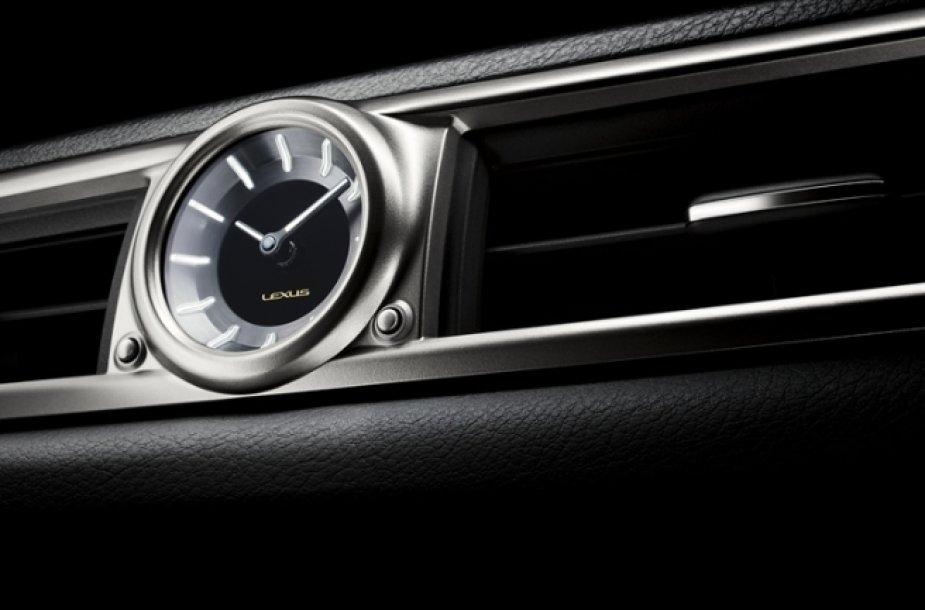 """Lexus GS 350"" interjeras"