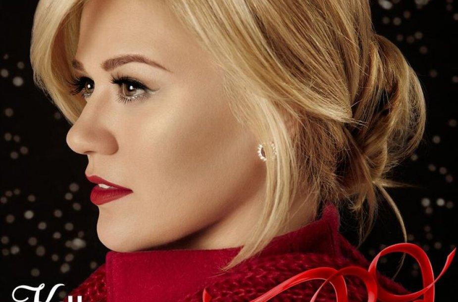 """Kelly Clarkson kalėdinės muzikos albumo """"Wrapped in Red"""" viršelis"""