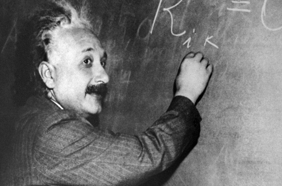 Einsteino raštelis Jeruzalės aukcione parduotas už 6 100 dolerių