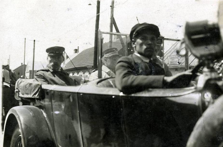 Antanas Smetona apie 1931 m. Kretingoje