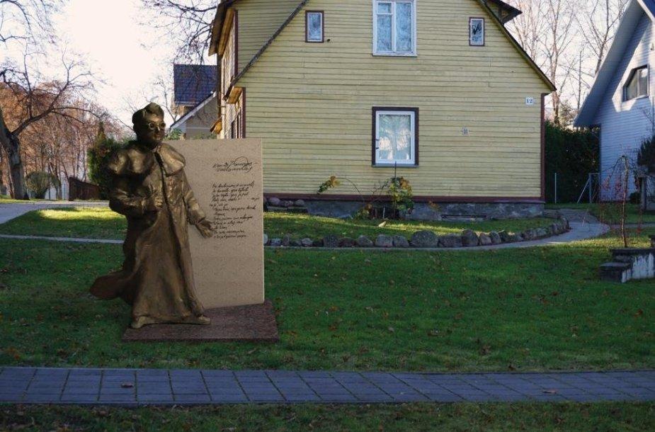 Gedimino Piekuro sukurta skulptūra
