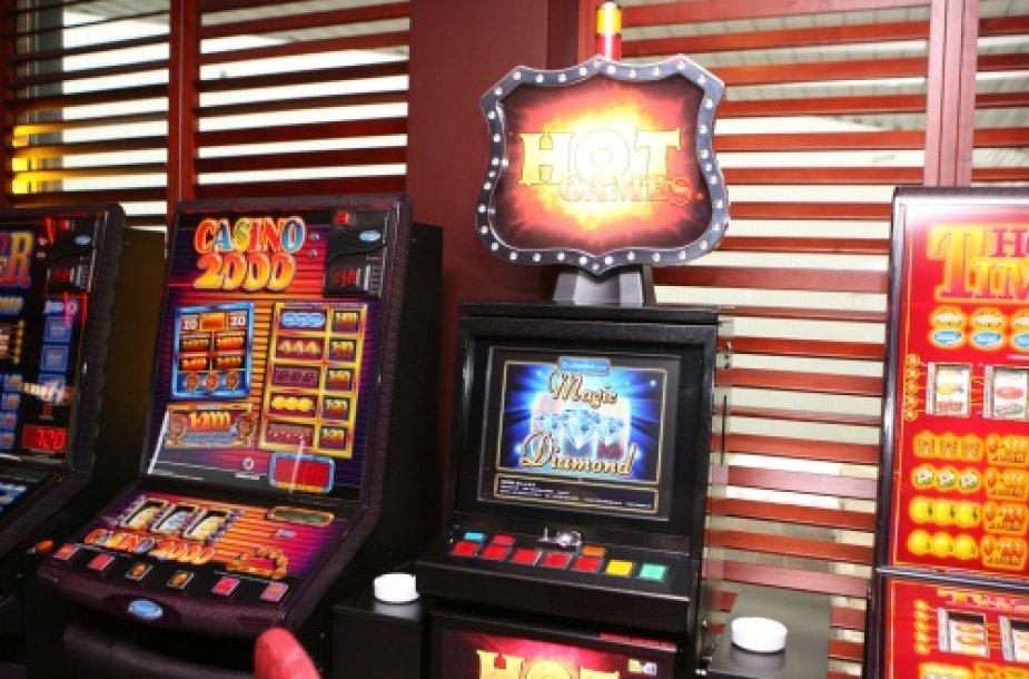 Dvi medalio pusės: kazino mažėjimas sumažintų įplaukas į biudžetą, tačiau visuomenėje būtų mažiau problemiškų lošėjų.