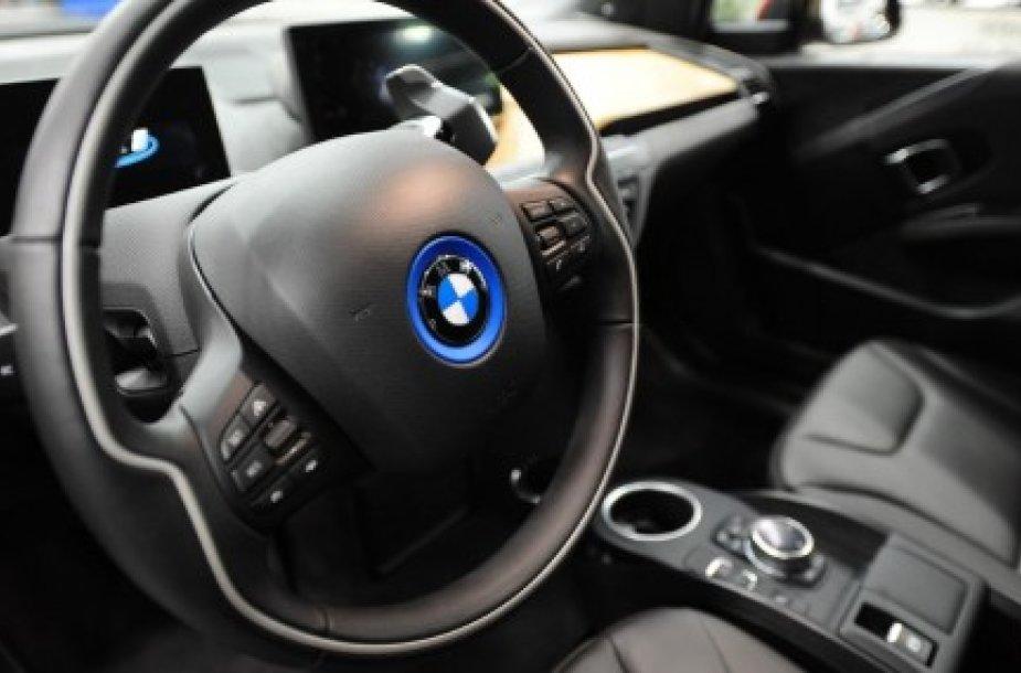 Кроссовер BMW X4 замечен на тестах в Германии