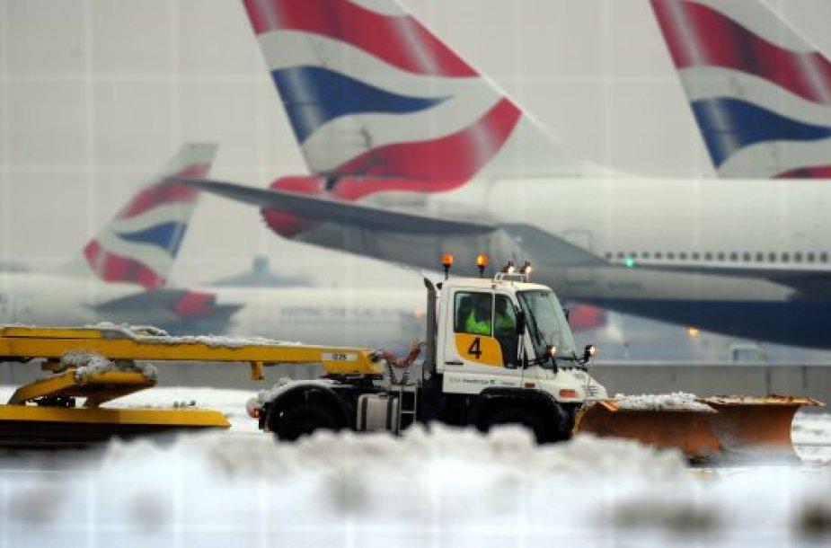 Heathrow oro uostas žiemą