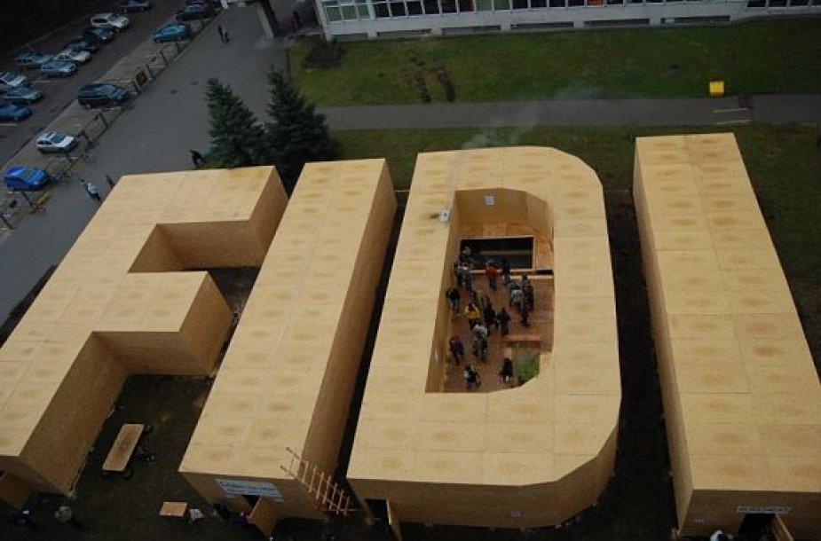 """""""FiDi 42"""". Milžiniškos """"FiDi"""" raidės"""