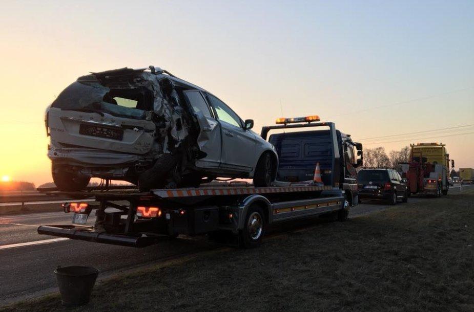 """Balandžio 8 d. avarija prie Kauno: pienovežis atsitrenkė į """"Volvo XC 60"""""""