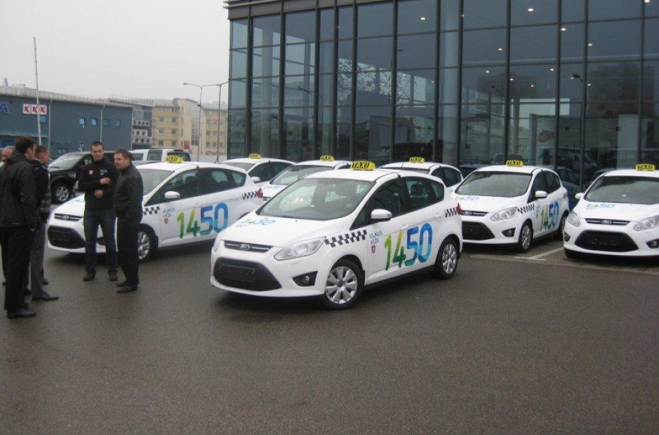 """""""Vilnius veža"""" taksi automobiliai"""