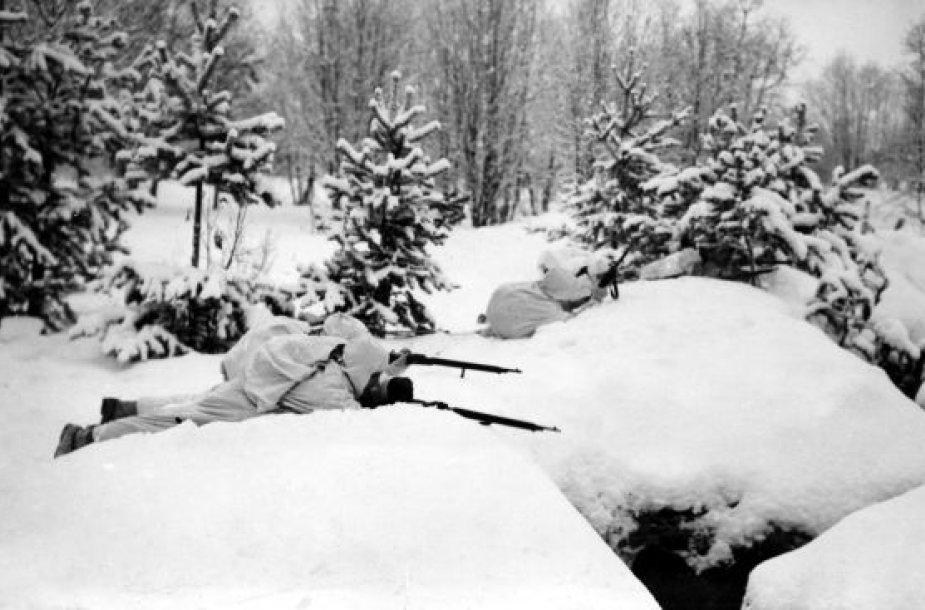 Žiemos karas: suomiai gina savo žemę nuo sovietų karių.