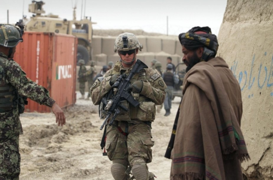 JAV kariai ir afganistanietis