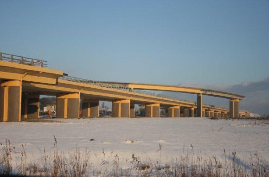Naująja estakada Vilniaus kryptimi automobilių srautai turėtų pajudėti dar iki metų pabaigos.