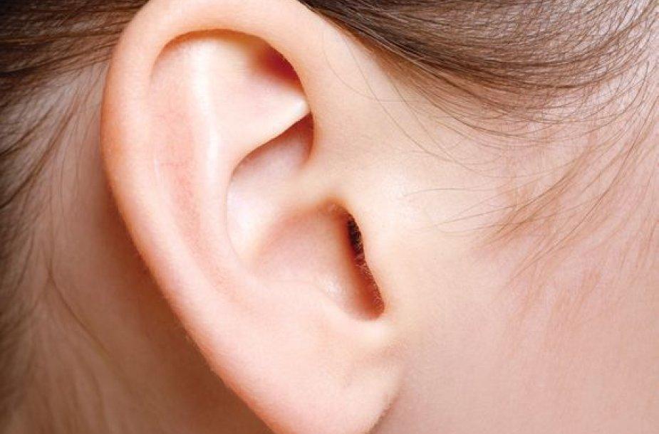 Mokslininkų teigimu, per garsi muzika gali sugadinti žmogaus klausą net iki visiško apkurtimo.