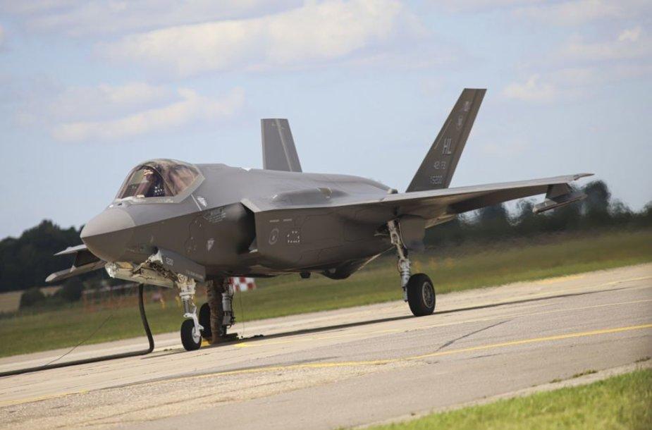 JAV naikintuvai F-35 jau Lietuvoje
