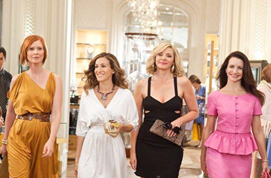 "Cynthia Nixon, Sarah Jessica Parker, Kim Cattrall ir Kristin Davis filme ""Seksas ir miestas 2"" (2010 m.)"