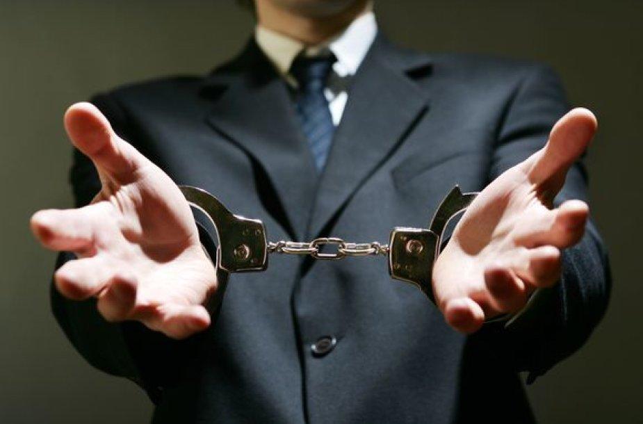 Bendra banko paskola įpareigoja tvirčiau už santuoką.