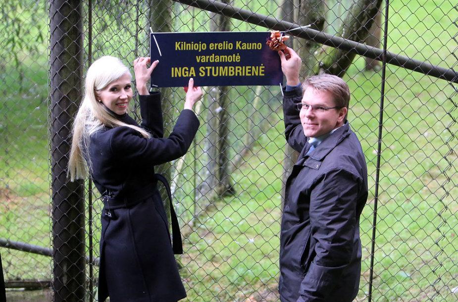 Inga Stumbrienė ir zoologijos sodo direktorius Aurimas Didžiokas