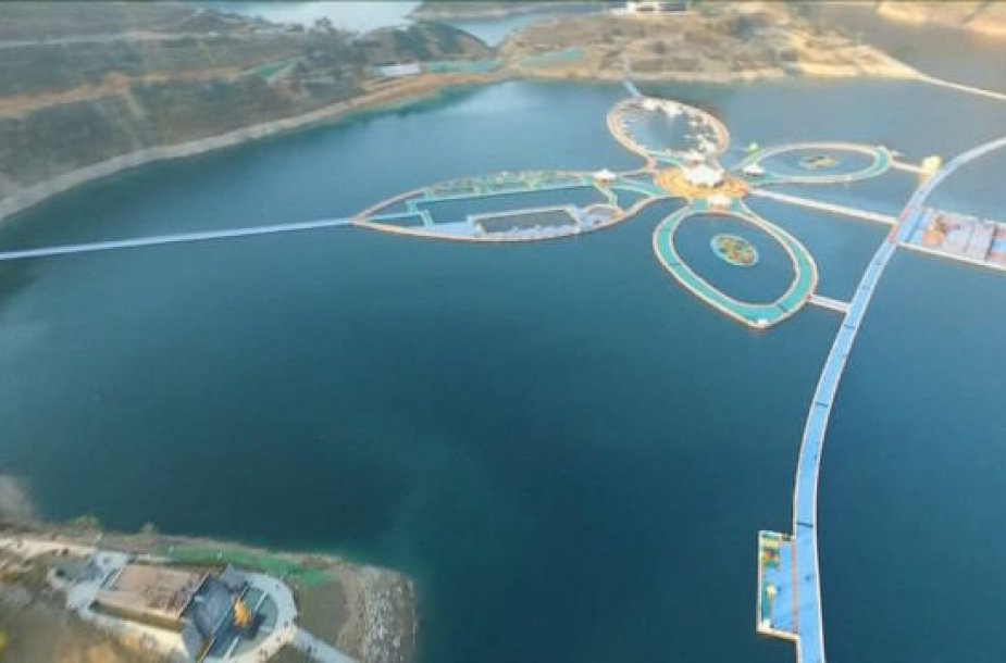 Kinijoje ant upės pastatytas 50 km ilgio takas