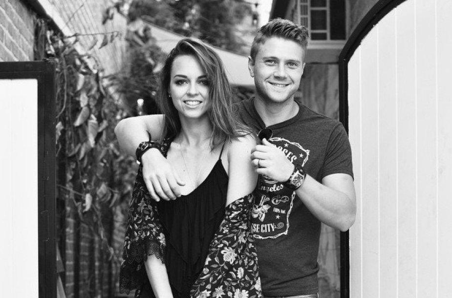 Evelina Anusauskaitė-Young su vyru Adamu
