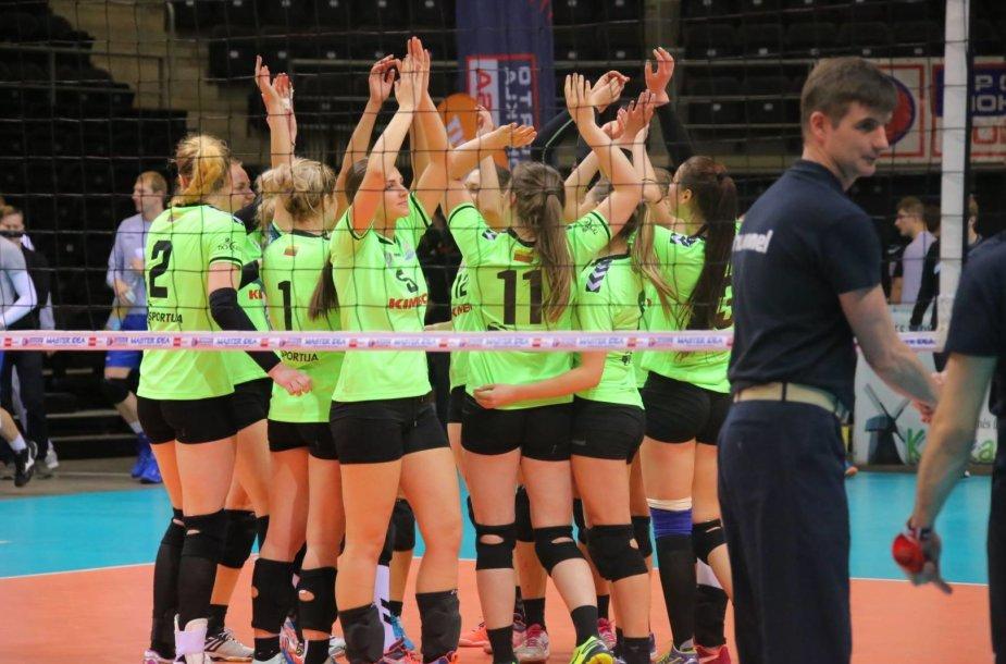 Moterų tinklinio komandos pasitinka naują sezoną.