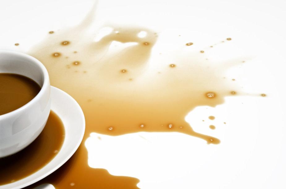 Išlieta kava.