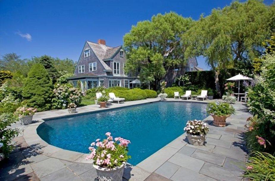 """JAV parduodamas """"Pilkųjų sodų"""" namas"""