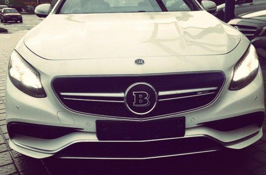 """Selo """"Instagram"""" paskyroje pasirodė """"Mercedes"""" nuotrauka"""