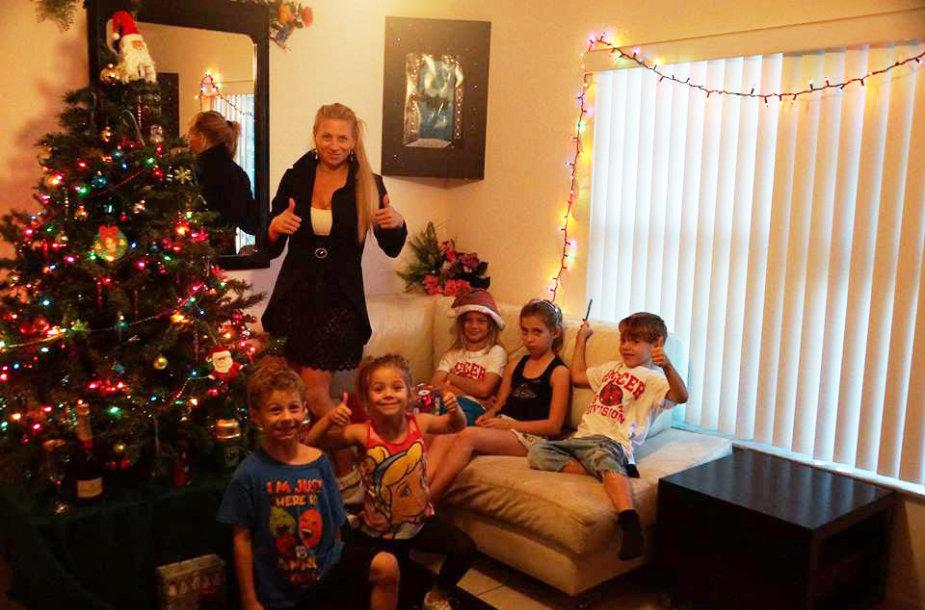 Erika Santos su šeima