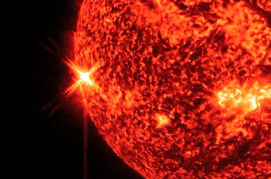 X 1,7 klasės galingumo Saulės žybsnis