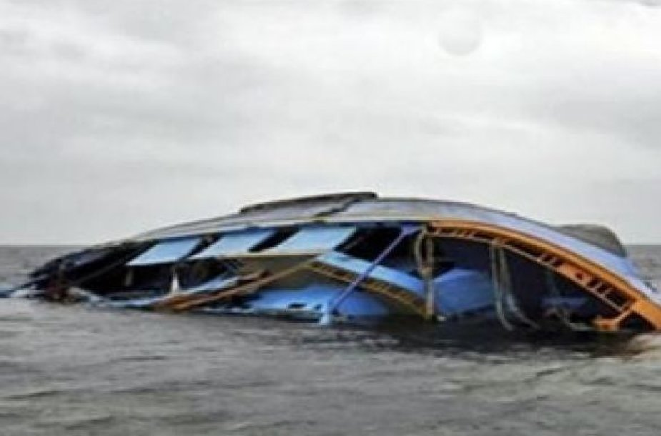 Nigerijoje nuskendo laivas, žuvo mažiausiai 17 žmonių
