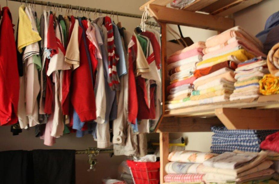 Lietuvos Raudonojo Kryžiaus organizacija Klaipėdoje praėjusiais metais išdalino beveik 10 tūkst. kg drabužių.