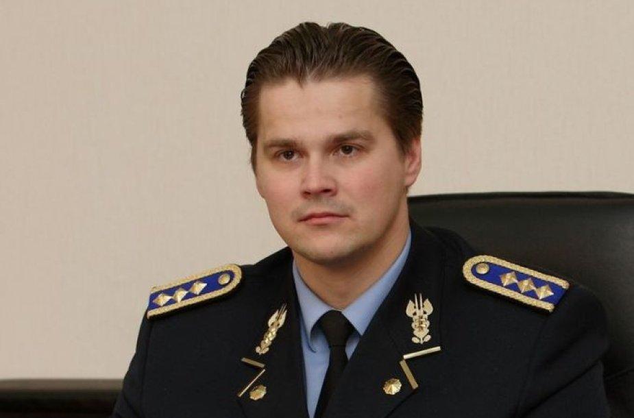 R.Zutkis.