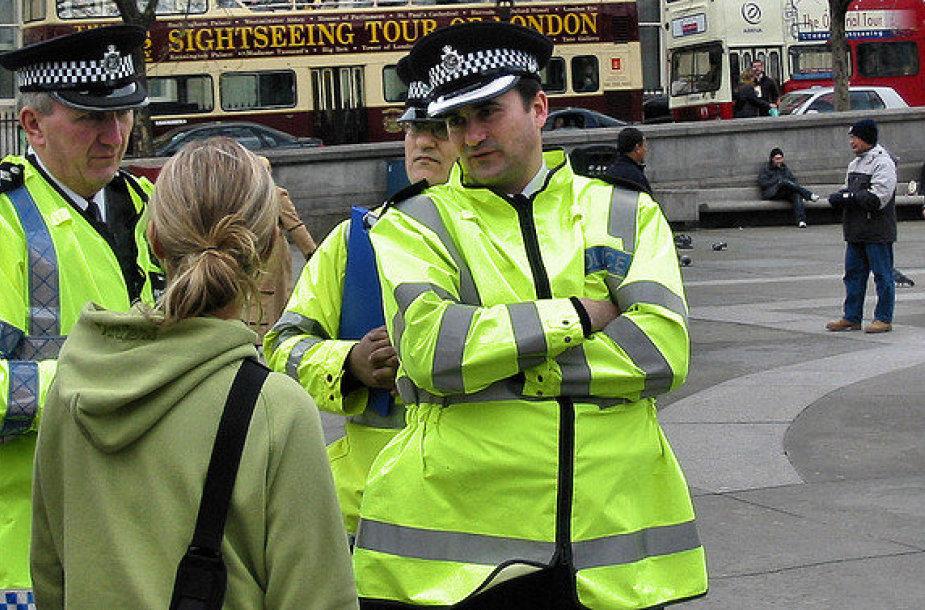 Nuo šiol Londono pareigūnai privalės kalbėti anglų bei viena iš 14 kitų užsienio kalbų.