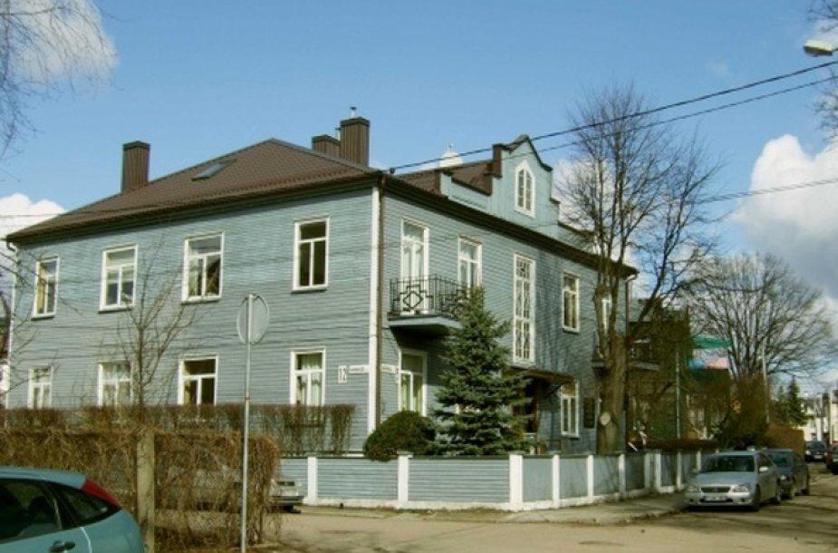 Medinis namas Žaliakalnyje, Kaune