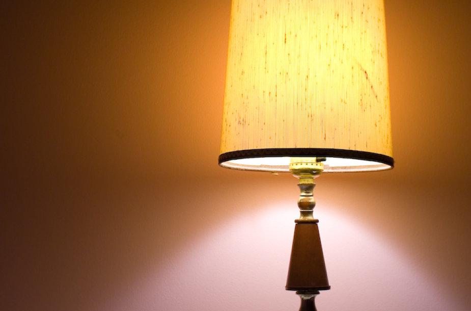 Nepamirškite išjungti šviesos eidami miegoti