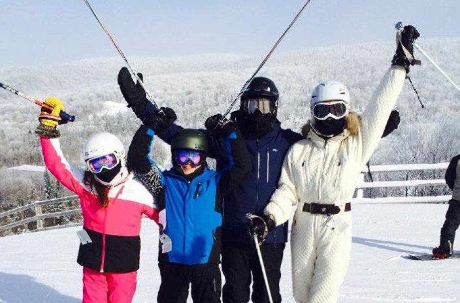 Michaelas Douglasas ir Catherine Zeta-Jones su vaikais Dylanu ir Carys