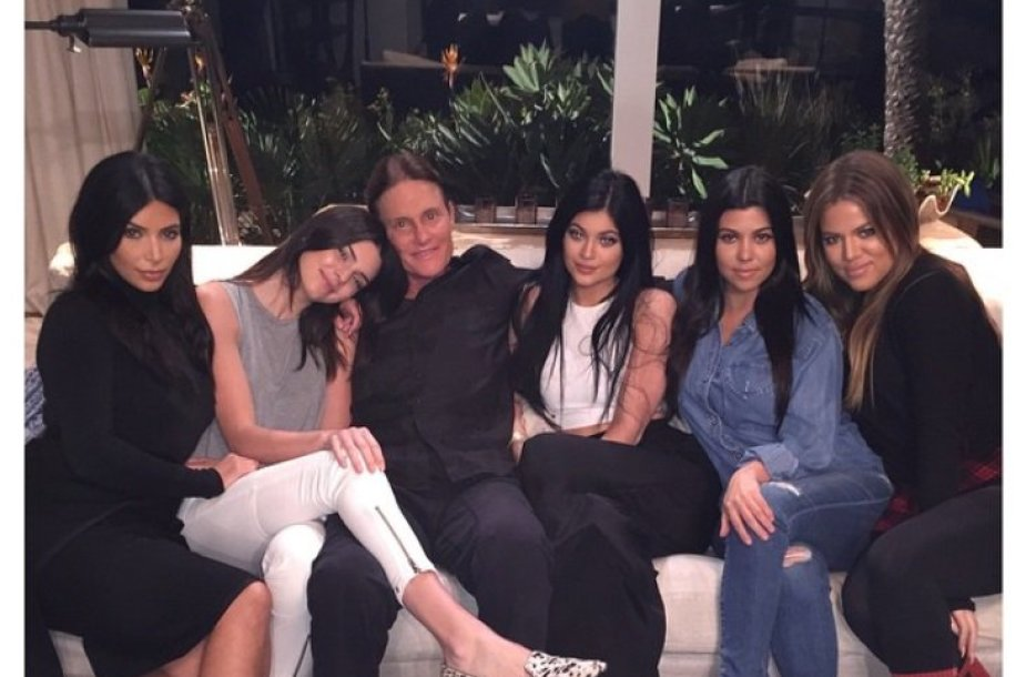 Kim Kardashian, Kendall Jenner, Bruce'as Jenneris, Kylie Jenner, Kourtney Kardashian ir Khloe Kardashian