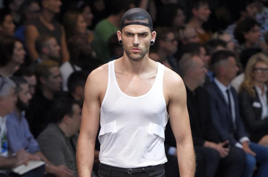 """Givenchy"" kolekcijos modelis"